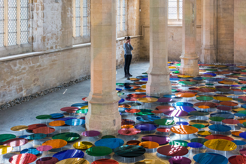 liz-west-our-colour-reflection-designboom-02