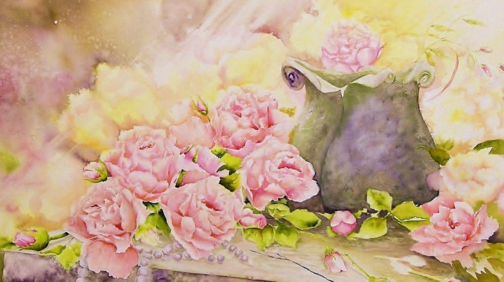 roses pot et collier sur pierre